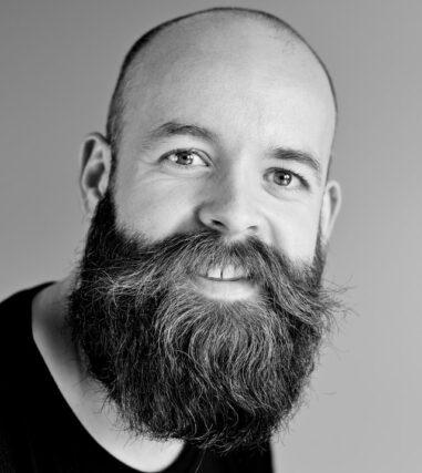 gewone man met baard